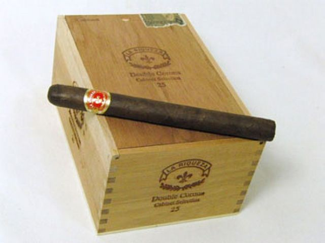 http://www.cuencacigars.com/product_images/q/118/size1_CC5916enl__87793_zoom.jpg